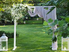 Photocorner nunta Arch, Outdoor Structures, Bridal Bouquets, Romania, Garden, Weddings, Handmade, Design, Bride Bouquets