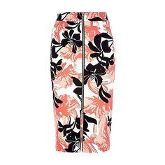 skirts ❤ liked on Polyvore featuring skirts, mini skirts, flouncy skirt, vinyl skirts, frilly skirt, short skirts and ruffle mini skirt