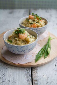Wild garlic prawn risotto 100 g wild garlic Weed Recipes, Garlic Recipes, Rice Recipes, Whole Food Recipes, Cooking Recipes, Healthy Recipes, Rachel Khoo, Garlic Prawns, Essen