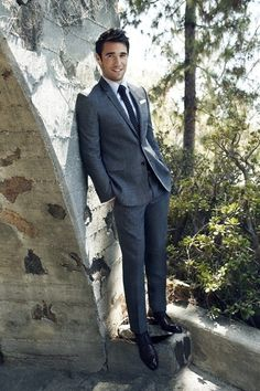 "A ""must"" in men wardrobe: a medium grey suit."