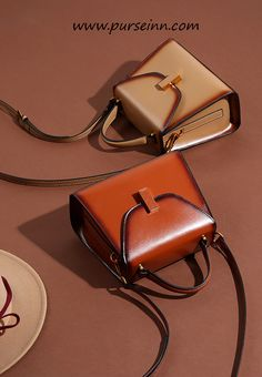 ffa016ecce1b Genuine Leather Handbag for Ladies. Beautiful purse and handbag which looks  awesome. It is