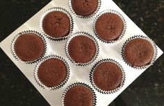 PALEO CHOCOLATE CUPCAKES cup coconut flour cup raw cacao powder 1 tsp gluten free baking powder cup coconut oil, melted 5 eggs cup honey cup coffee espresso shot or 1 teaspoon of instant coffee in cup of hot water) Best Paleo Recipes, Sweet Recipes, Whole Food Recipes, Eating Paleo, Eating Clean, Paleo Cupcakes, Cupcake Cakes, Paleo Chocolate, Chocolate Cupcakes