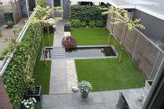Gardening — Kunstgras, antraciet tegels en grind, mooie combi.