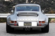 Retro Styled Singer Porsche 911 - STYLE OF THE BEAST