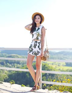 Her Fashion Box Outfit At Chocolate Hills - Camille Tries To Blog