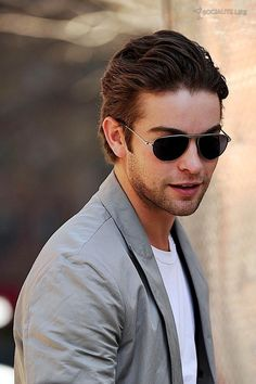 Chace Crawford Gossip Girl Set Photos