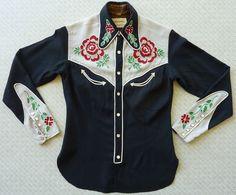 Camisa de mujer occidental Frontex Vintage años 40 de la década de 1940. S. pequeño negro con puños y yugos del gris. tubería de cuerda blanca. Cadeneta de color de rosa rojo bordado