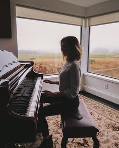 a weekend in the fog Piano Photography, Portrait Photography, Music Love, Music Is Life, Piano Tumblr, Piano Girl, Music Aesthetic, Weekends Away, Jolie Photo
