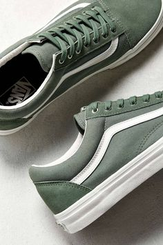 Slide View: Vans Old Skool Snake Sneaker Sock Shoes, Cute Shoes, Me Too Shoes, Shoe Boots, Best Shoes For Men, Men S Shoes, Shoes Sneakers, Green Sneakers, Vans Shoes Outfit