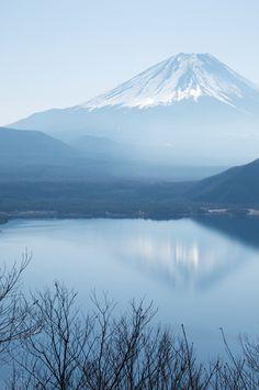 Mt. Fuji, Shizuoka, Japan, by Masakazu Ejiri, on flickr.
