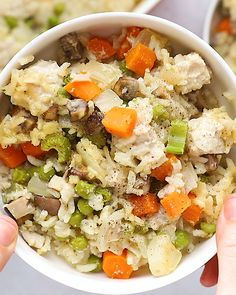 This lighter-fare Chicken Pot Pie Casserole is jam-packed with veggies lean chicken and that amazing creamy pop pie flavor! This lighter-fare Chicken Pot Pie Casserole is jam-packed with veggies lean chicken and that amazing creamy pop pie flavor! Chicken Pot Pie Casserole, Easy Chicken Pot Pie, Easy Chicken Recipes, Easy Dinner Recipes, Easy Meals, Sweet Potato Recipes Healthy, Healthy Recipe Videos, Healthy Recipes, Healthy Weeknight Meals