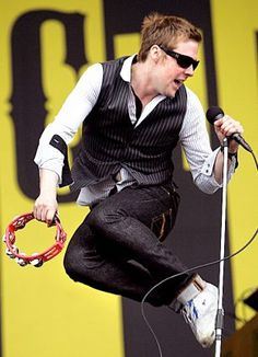 Rickie Wilson, The Kaiser Chiefs Ricky Wilson, Kaiser Chiefs, Tambourine, Stylish Men, Music Bands, My Music, Handsome, Camping, My Love