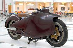 Salvatore Majorca created the revolutionary Moto Major Motorcycle 1949
