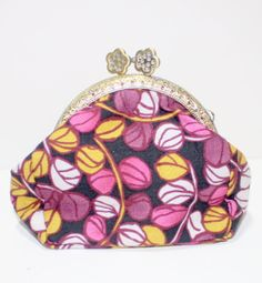 SALE Retro Coin Purse Kiss Lock Metal Frame The by SNGInspirations, $18.00