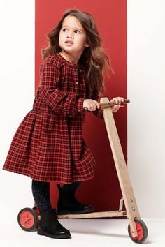DRESS TO IMPRESS #noppies #rood #girls #fashionista #ruit #meisjes #looks #outfit #jurk Kid Styles, Dress To Impress, Coat, Classic, Girls, Jackets, Outfits, Vintage, Dresses