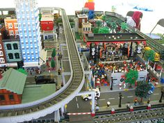MichLTC LEGO Display at Canton Liberty Fest 2009 by DecoJim, via Flickr Lego Display, Lego Trains, Lego Moc, Vintage Embroidery, Everyday Objects, Lego Creations, Lego City, Yahoo Images, Legos