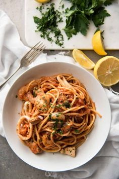 An easy seafood pasta recipe - classic Spaghetti Marinara. Pasta tossed in a luscious tomato sauce with mixed seafood - incredibly fast & easy to make! Seafood Marinara Recipe, Sauce Marinara, Pasta Marinara, Seafood Pasta Recipes, Seafood Stew, Shrimp Pasta, Tomato Sauce, Pasta Dishes, Food Dishes
