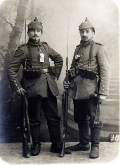 German infantry palls - No location, names given, WW1