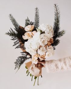 Such a sweet, simple bouquet of flowers with a nice, minimalist arrangement. Floral Wedding, Wedding Bouquets, Wedding Flowers, Deco Floral, Arte Floral, My Flower, Beautiful Flowers, Floral Flowers, Bouquet Of Flowers