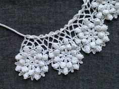 レース編み*ティペット | ミチコ* | ハンドメイド通販 iichi(いいち) Crochet Collar, Collar Pattern, Neck Piece, Crochet Accessories, Crochet Necklace, Inspiration, Jewelry, Fashion, Crocheting
