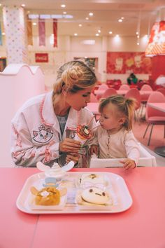Barefoot Blonde Amber Fillerup in Tokyo, Japan Baby Mine, Love You Baby, Mommy And Me, Family Goals, Family Love, Amber Fillerup Clark, Barefoot Blonde, Foto Baby, Stylish Kids