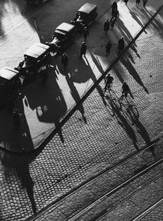 The shadows are getting longer 1930s  Photo: Erika Groth Schmachtenberger