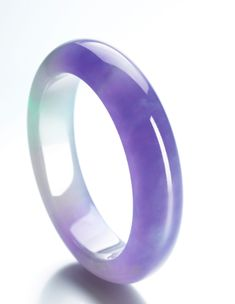 Jadeite Bangle 5,000,000 — 7,000,000 HKD 637,800 - 892,920USD