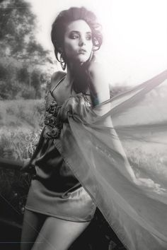 Dress/Šaty: JKate - Kateřina Ivanová   Fotograf. Linda Zhengová