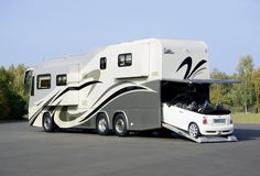 VARIOperfect_Platinum-1200_2906_0754_Luxus-Reisemobil_PKW-Garage_im_Heck_BMW-Mini1.jpg (2598×1772)