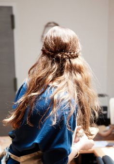 Half-up braided hair // Click for 9 more new ways to wear a braid in your hair!