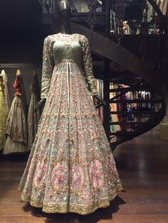 Designer Exclusive Collection of Designer Dresses, Designer Gowns, Bridal Dresses. Indian Bridal Outfits, Indian Bridal Wear, Indian Designer Outfits, Pakistani Bridal Dresses, Pakistani Wedding Dresses, Bridal Anarkali Suits, Bridal Lehenga Choli, Red Lehenga, Trajes Pakistani