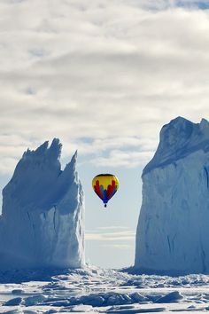 Hot air balloon. Arctic Bay, Canada