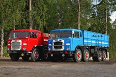 "https://flic.kr/p/po5hN6 | t - FIAT 690 - A.I.T.E. | Ecco due FIAT 690 N1 e N3 vicini .... dopo la pioggia arriva il sole !  Truck  Camion  of A.I.T.E.  www.trasportidepoca.it/  "" OLDTIMER  FESTIVAL ""   Raduno Mezzi Trasporto Epoca a St FELIX  Bz  Transport  Vintage Vehicles Rally at St Felix Bx ITALY  San Felice  01.08.2014"