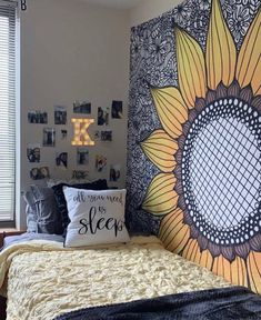 These are sometimes accents in interior decoration, sometimes elements that contribute to the balance of the room. Cute Room Ideas, Cute Room Decor, Room Ideas Bedroom, Bedroom Decor, Master Bedroom, Royal Bedroom, Bedroom Ceiling, Bedroom Small, Teen Bedroom