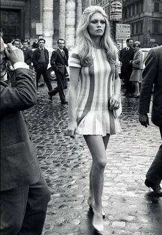 Vintage Fashion - Brigitte Bardot