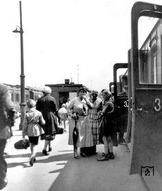 Reisende in Berlin-Schoeneweide (1927)