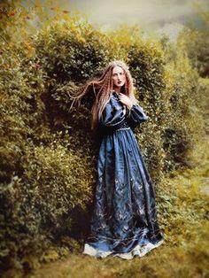 photography by Malgorzata Maj...has a very Pre-Raphaelite feel...so very pretty!