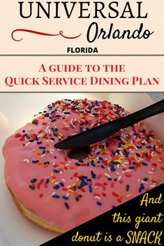 Eating out is one of our biggest travel expenses. When I heard that Universal Orlando offered the Universal Dining Plan – Quick Service option to all visitors (unlike the Disney Dining Plan which requires staying in a Walt Disney World resort), I wanted t Universal Orlando Florida, Orlando Travel, Orlando Vacation, Universal Studios Outfit, Disney Universal Studios, Disney World Trip, Disney Vacations, Vacation Food, Family Vacations