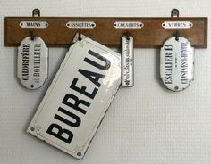 les plaques maill es on pinterest brocante enamels and letter boxes. Black Bedroom Furniture Sets. Home Design Ideas