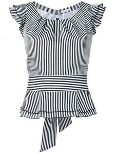 Shoppen Guild Prime Gestreiftes Top mit Volants Shop Guild Prime Striped top with flounces Blouse Styles, Blouse Designs, Shopping Outfits, Bluse Outfit, Sewing Blouses, Work Attire, Dress Patterns, African Fashion, Blouses For Women