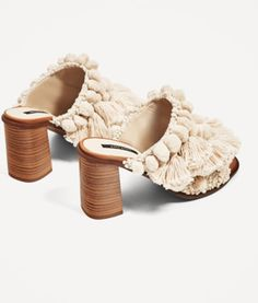 From Save to Splurge—Here Are 7 Sandals to Get Your Wardrobe Set For Spring - College Fashionista Zara, Crazy Shoes, New Shoes, Cute Shoes, Me Too Shoes, Wardrobe Sets, Flats, Shoes Heels, Heeled Boots