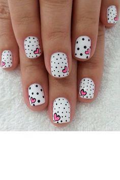 Manucure petits cœurs et polka dots