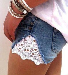 Buena manera de remodelar tu short de jean ;)