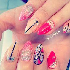 Second Shoutout  By: @klo.nails  Inspired By: @getbuffednails ---------------------------------------------------------- #nails #nail #notd #style #hudabeauty #cute #beauty #beautiful #instagood #pretty #girl #girls #stylish #sparkles #styles #gliter #nailart #opi  #essie #unhas #preto #branco #rosa #love #shiny #polish #nailpolish #nailswag #anastasiabeverlyhills #vegas_nay