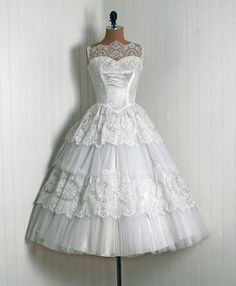 1950's Vintage Crisp-White Beaded Sequin-Sparkle French Chantilly-Lace and Tulle-Couture Sweetheart Low-Plunge Sheer-Illusion Sleeveless Ballerina***-Pretty  but over priced-Ruffle Full Circle-Skirt Bombshell Garden Wedding Formal Cocktail Party Dress