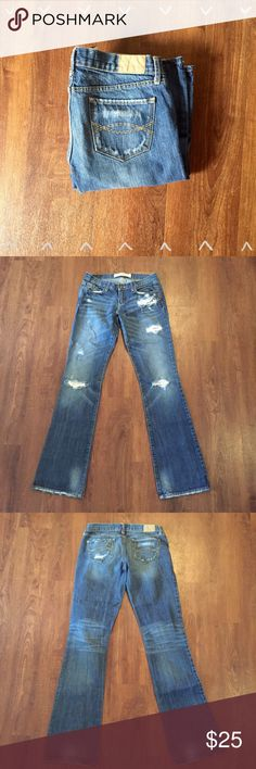 """A&F Emma Jeans Cute! 100% cotton Size 2L 29"""" waist, 7"""" front rise, 11"""" back rise, 33"""" inseam   Need any other information? Measurements? Materials? Feel free to ask! Don't be shy, I always welcome reasonable offers! Fast shipping! Same or next day! Sorry, no trades!  Happy Poshing!☺️ Abercrombie & Fitch Jeans Boot Cut"""