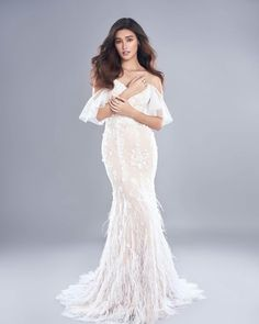 Liza Soberano l Date Night Filipina Actress, Filipina Beauty, Liza Soberano Gown, Lisa Soberano, Sexy Dresses, Fashion Dresses, Formal Dresses, Women's Fashion, White Gowns