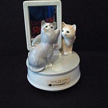 Otagiri Music Box Kitty Cats and Mirror 1980s Ceramic