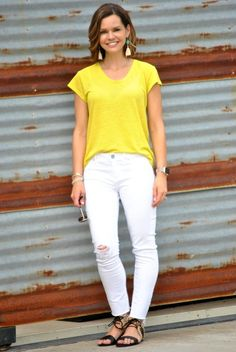Easy t-shirt and jeans outfit formulas for stay at home moms! SAHMonday: Yellow Tee and White Jeans http://getyourprettyon.com/sahmonday-yellow-tee-white-jeans/?utm_campaign=coschedule&utm_source=pinterest&utm_medium=Alison%20Lumbatis%20%7C%20Get%20Your%20Pretty%20On&utm_content=SAHMonday%3A%20%20Yellow%20Tee%20and%20White%20Jeans