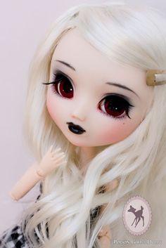 Gorgeous Pullip doll